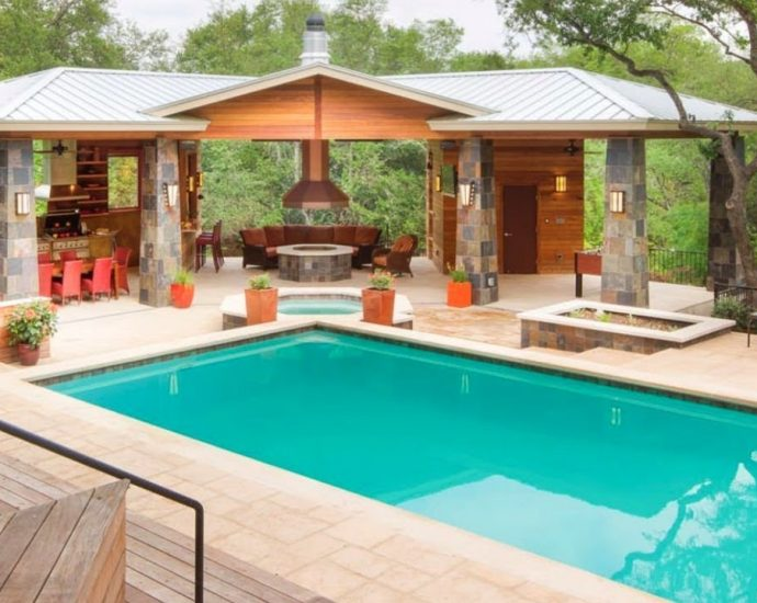 The New Hassle Concerning Swimming Pool Building And Construction