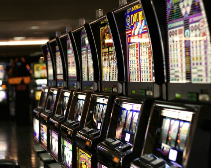 How To Begin A Business With Online Casino